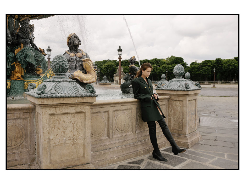 Kat_and_magdalen_editorial_in_paris.008