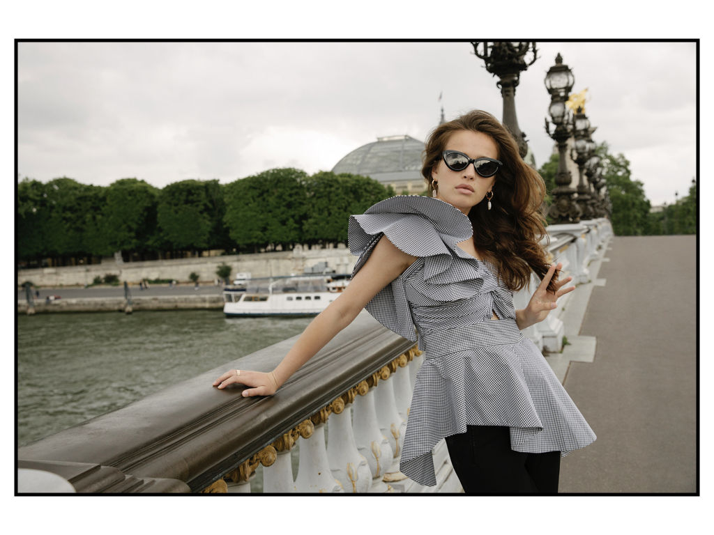 Kat_and_magdalen_editorial_in_paris.003
